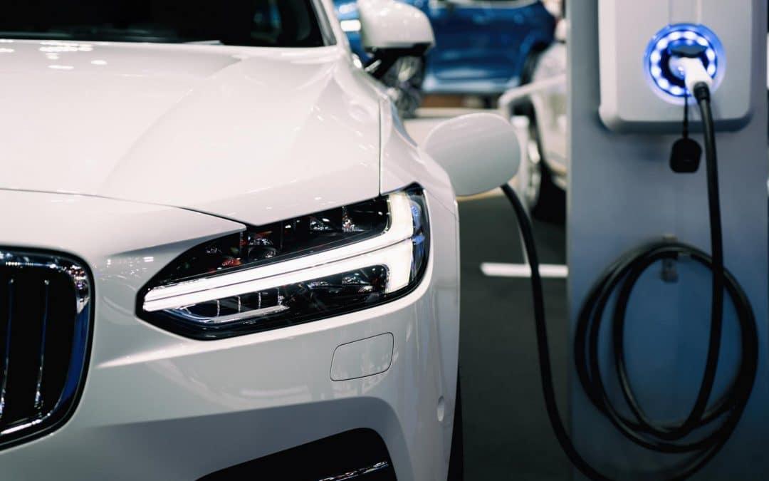 Peut-on reprogrammer un véhicule hybride ?